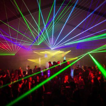 Lasertechnik im Festzelt